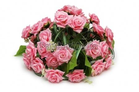 blumenstrauss aus rosen auf dem weissen