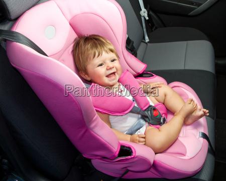 baby in einem sicherheitsautositz sicherheit
