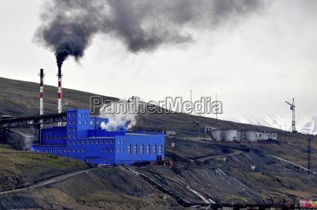 kohleabbau auf spitzbergen in der russischen