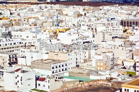 white houses in arrecife lanzarote