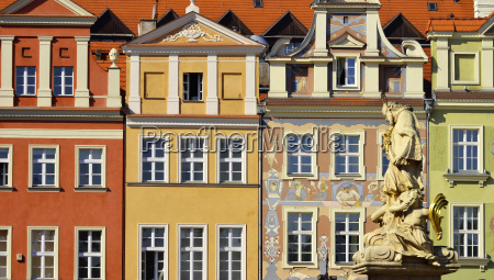 architecture of old market in poznan