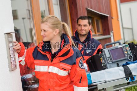 notfall hausbesuch arztbesuch ambulanz hilfe