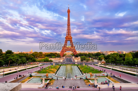 eiffel tower at cloudy colorful sunset