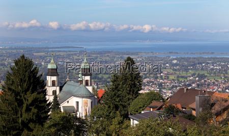 blick ueber die wallfahrtskirche maria bildstein