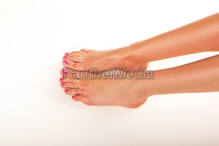 weibliche fuesse mit nagellack