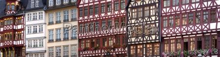 fachwerkhaeuser in der frankfurter innenstadt panorama