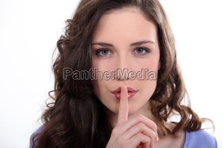 finger weiblich braun braeunlich bruenett erwachsen