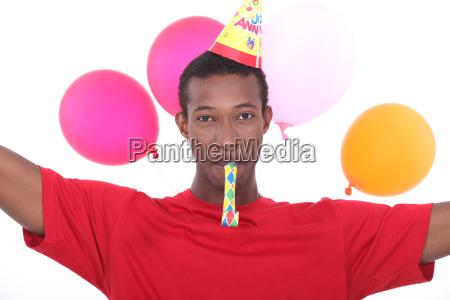 man auf einer party