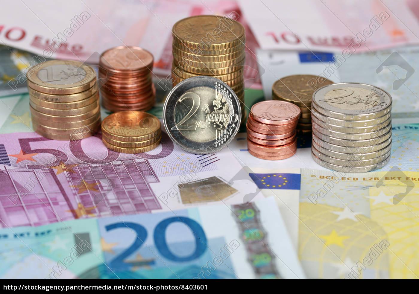 Euro Münzen Und Scheine Lizenzfreies Bild 8403601 Bildagentur