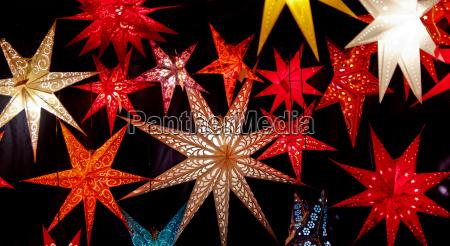 verzierung angestrahlt dekoration ausschmueckung ornament weihnachtszeit