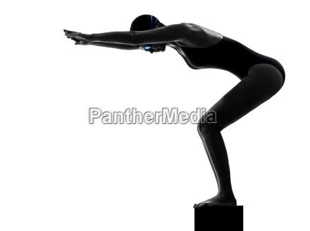 frau competion schwimmer auf start silhouette