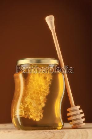 glas honig mit honigwabe
