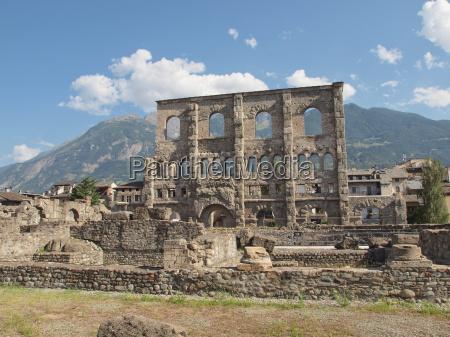 theater schauspielhaus gemaeuer ruinen roemer roemisch