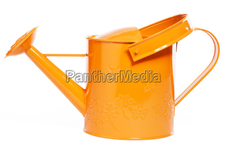 orangene giesskanne