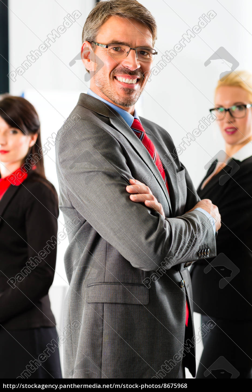 business, -, eine, gruppe, von, geschäftsleuten - 8675968