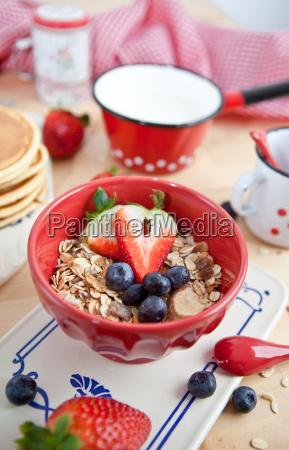 muesli obst fruehstueck frisch frische gesund