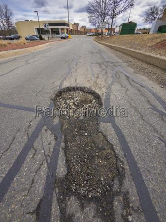 strassenpflaster asphalt gehweg infrastruktur rissig gehsteig