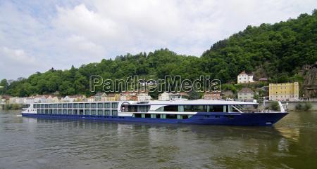 flusskreuzfahrtschiffe on the danube passau