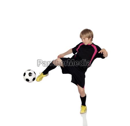 jugendliches fussball spielt