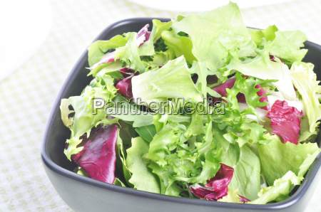 mixed salad leaves