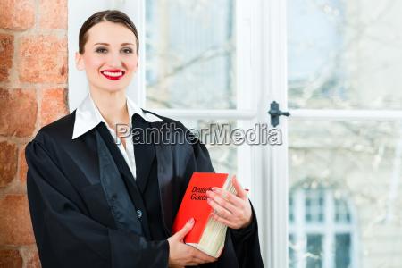 rechtsanwalt rechtsanwaeltin recht anwalt anwaeltin kanzlei