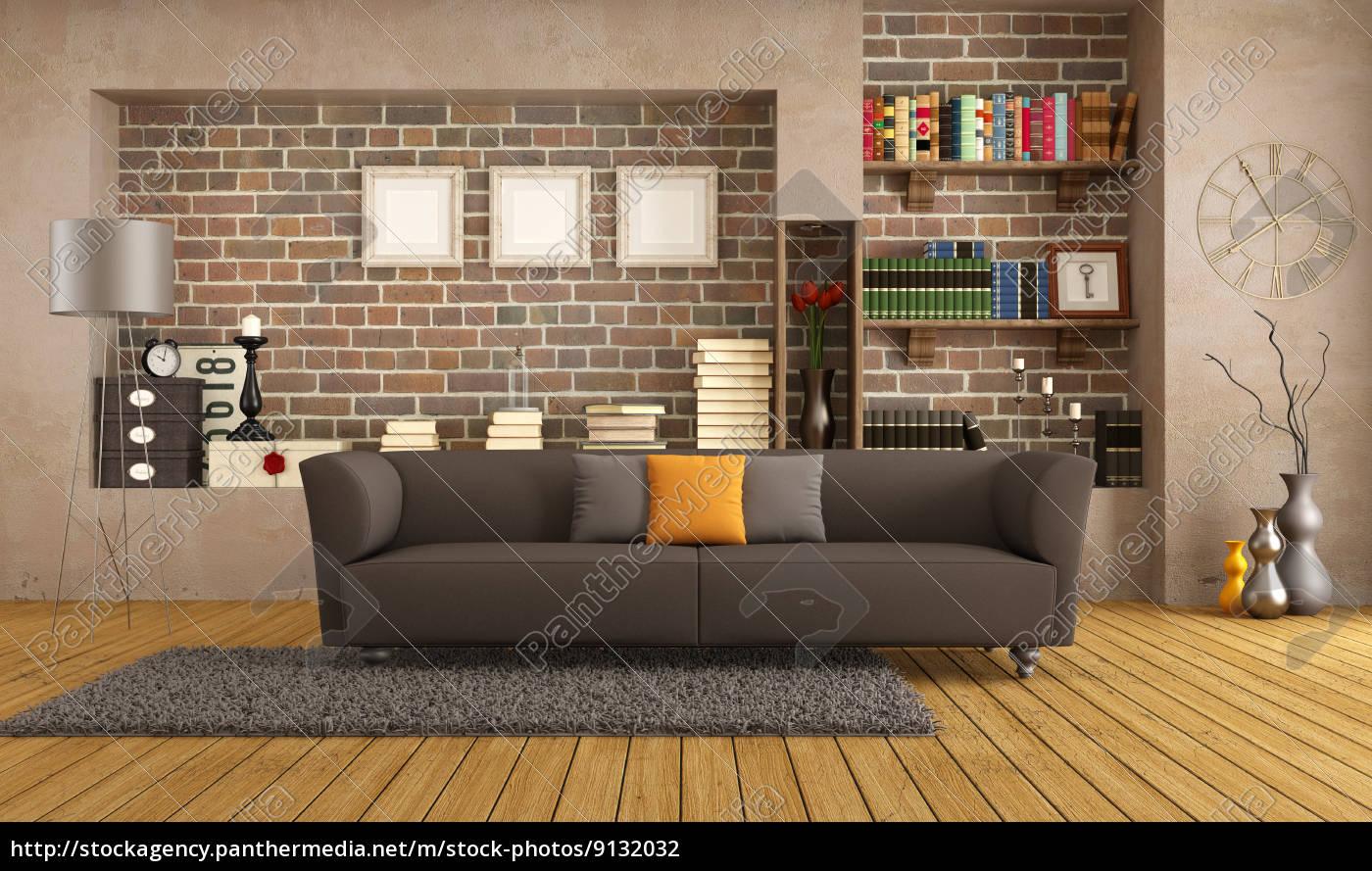 Modern sofa in einem vintage wohnzimmer lizenzfreies for Wohnzimmer vintage modern