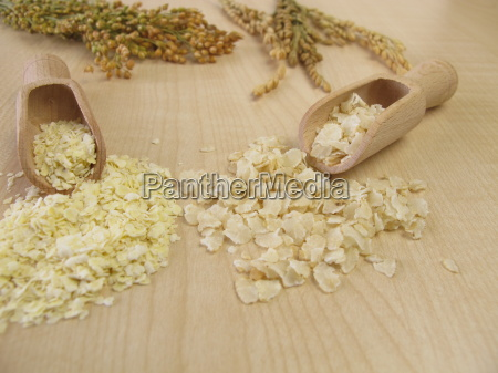 millet flakes and rice flakes
