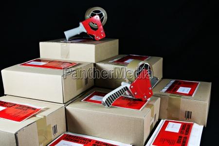 paketdienst pakete paketversand post paeckchen