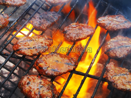 barbecue grill steaks