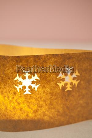 weihnachten kerze mit papiertuete