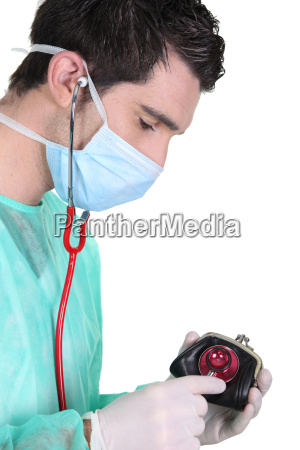 wealthcheck doctor checking a womans purse