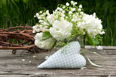 lily of the valley muguet lilies