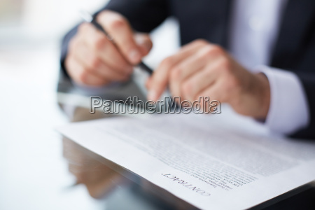 before signing contract