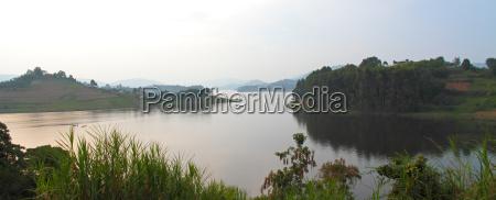 lake bunyoni panorama