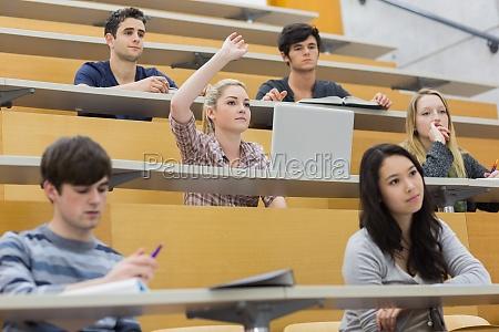 studenten die sich aktiv an einer