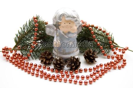 weihnachtsengel mit perlenkette