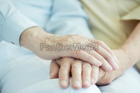 haende von senioren