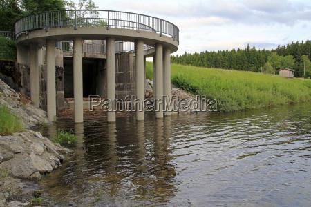 zurueckgehendes hochwasser hinterlaesst schaeden