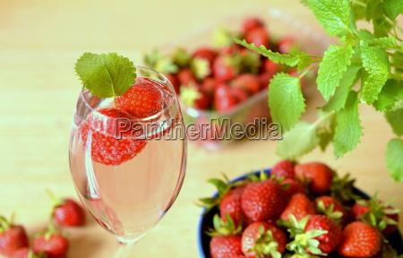 erdbeeren mit sekt
