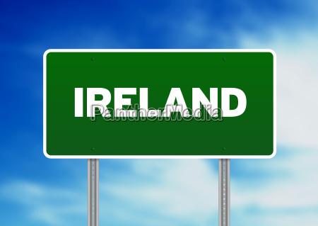 irland highway sign