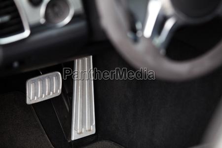 pedale in einem auto