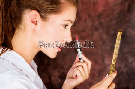 kvinde brun spejle afspejle laebestift brunette