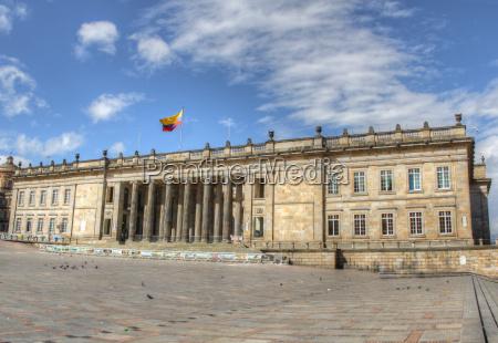 capitolio von kolumbien mit plaza bolivar