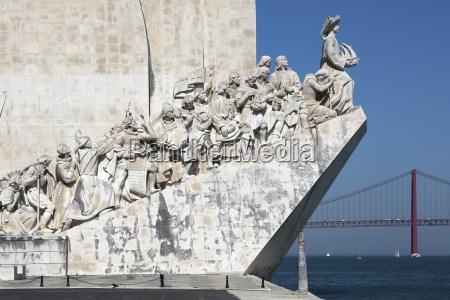 monument fuer die entdecker in lissabon