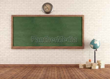 leere vintage klassenzimmer