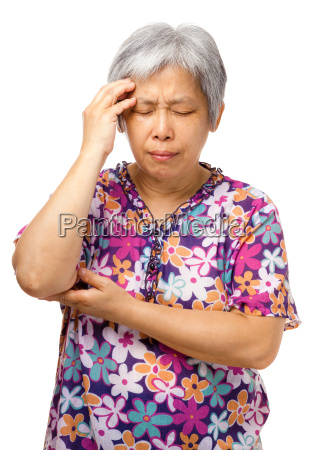 alte frau ernst kopfschmerzen