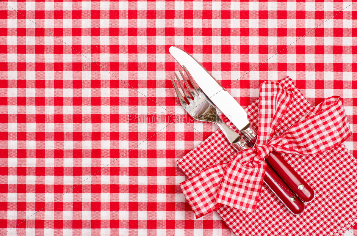 Gedeckter Tisch Mit Besteck Und Serviette In Rot Und Stockfoto 9767046 Bildagentur Panthermedia