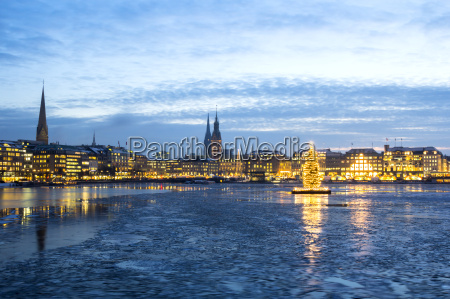 hamburg alster lake at christmas