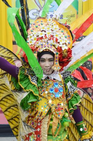 menschen auf karneval