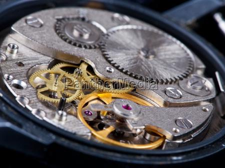 zerlegte armbanduhr